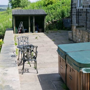 Hot tub at Pack Horse Stables holiday cottage